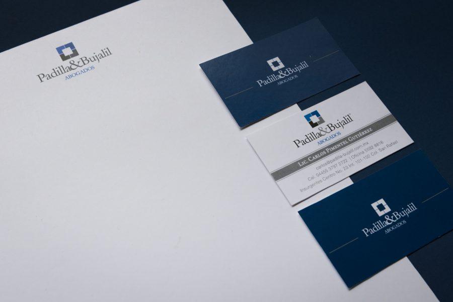Padilla & Bujalil, abogados. Diseño de logotipo y papelería corporativa.